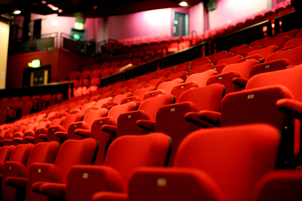 4 great plays to see this fall in chicago one eleven chicago for Apt theater schedule