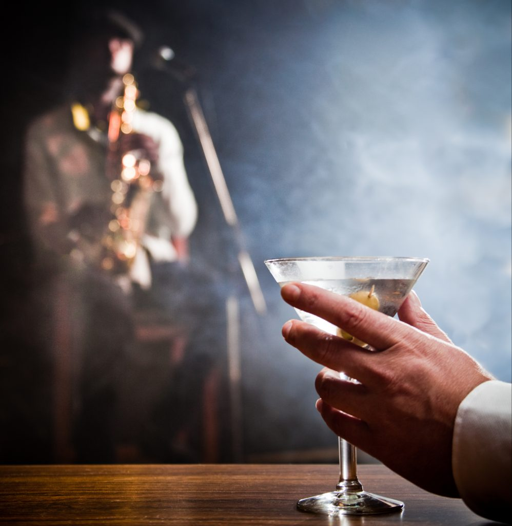 Order a martini or your favorite drink at one of the historic blues bars in Chicago.